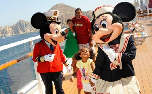 disney-cruise-family
