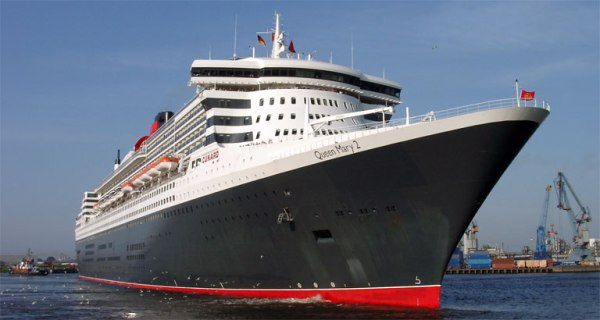 Queen_Mary_2_05_KMJ