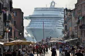 VENEZIA:'NO GRANDI NAVI',SERVE 'RIVOLUZIONE' MODELLO CROCIERE