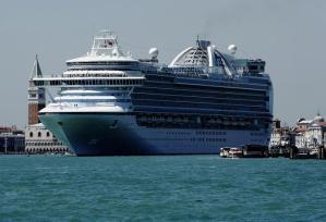 grandi-navi-dentro-venezia-3