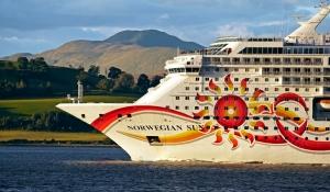 Cruise Ship - Norwegian Sun - Off Greenock Esplanade - 26 September 2012