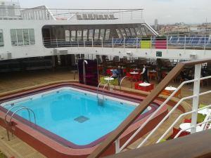 costa-celebration-piscina1