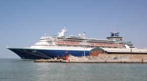 Pullmantur_Cruises_Sovereign_01