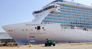 regal-princess-photo-cruise-ship-c-960x520