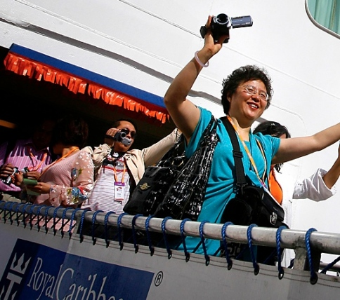 chinese-tourists-royal-caribbean-cruise-china-elite-focus