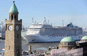 Cruise liner 'MSC Magnifica' in Hamburg