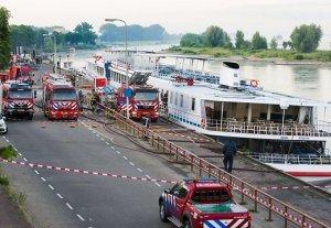 cruise-river-ship-britannia-44644448