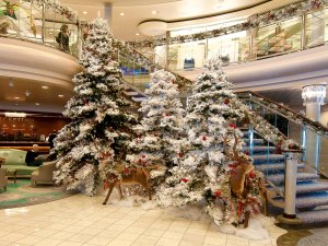 Crystal-Symphony-Christmas-trees
