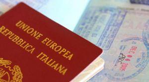 Viaggiare-con-i-bambini-passaporto-550