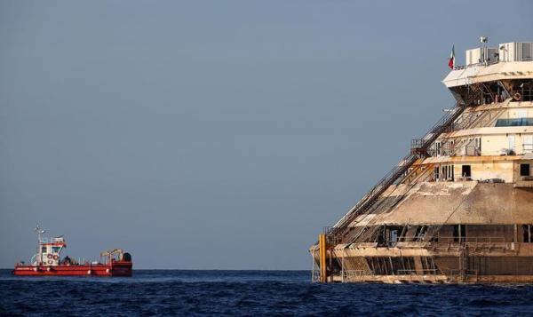 Concordia lascia Isola del Giglio: già percorse 50 miglia