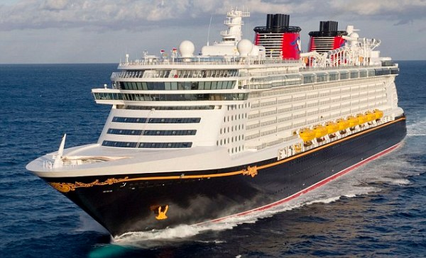 DISNEY DREAM AT SEA