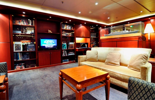 HAL-Statendam-Neptune-Lounge