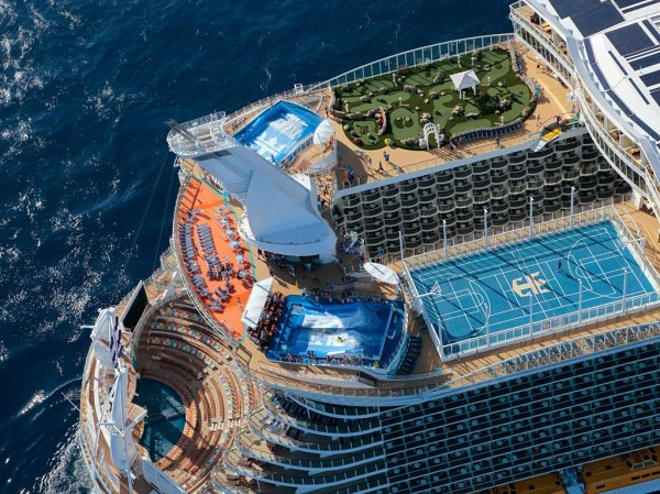 item0.size.allure-of-the-seas-royal-caribbean-activities