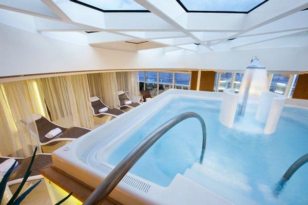 Seabourn-cruises-SpaPool-OSQ_022111