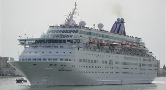 LOUIS-MAJESTY-nave-crociera-chioggia-porto-vela-veneta-velaveneta