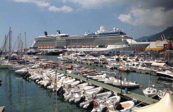 Nave_da_Crociera_porto_Salerno
