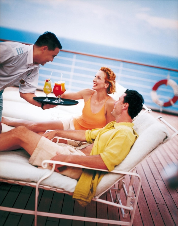 Princesscruises_coupleondeckchairs3