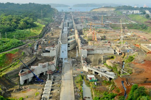 Ship-Tests-at-Panama-Canals-New-Locks-to-Start-in-20151